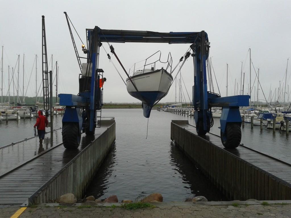 Andreas båd på vej i vandet