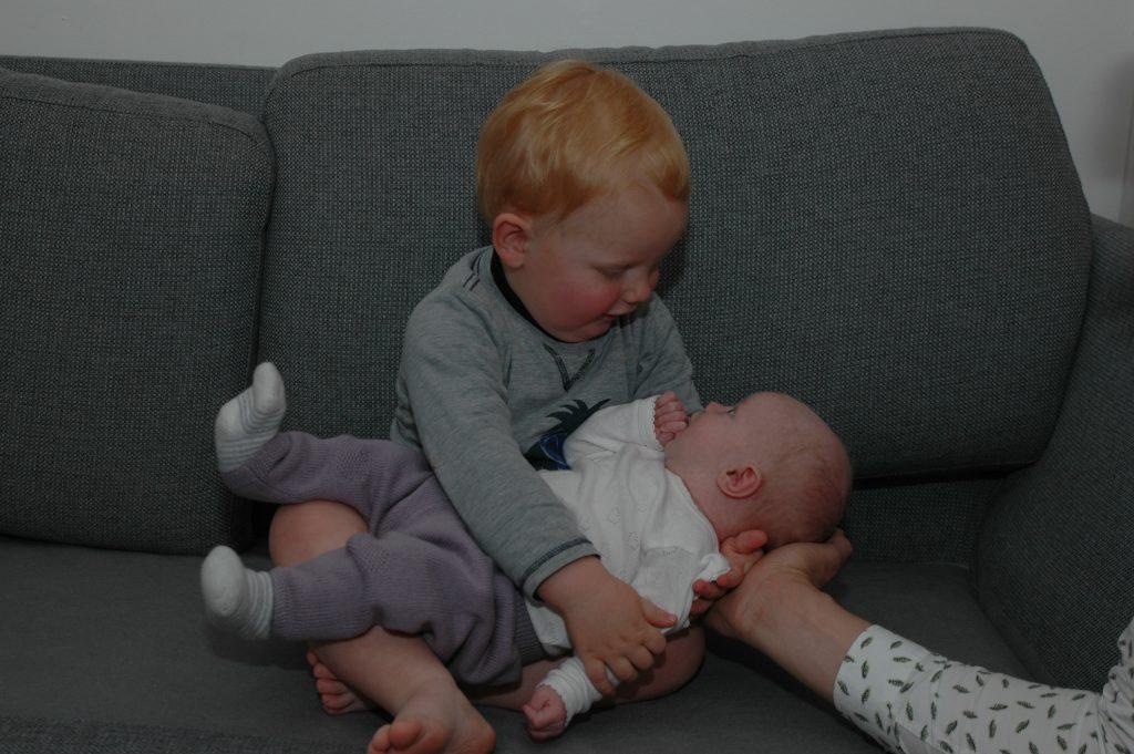 Storebror og lillesøster (og far)